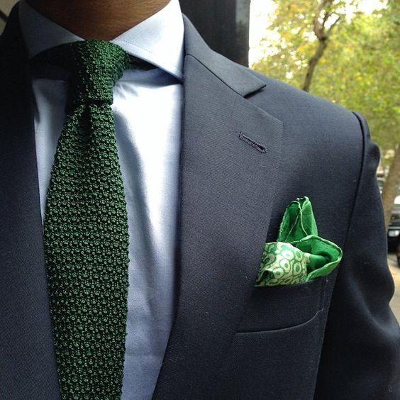 cravate-coton-vert-camias-blanca-traje-azul-moda-estilo-hombre-gastonman